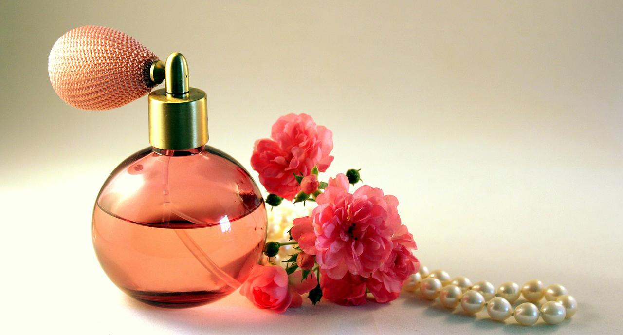 Kauppaketjujen hajuvesijäljitelmät menestyvät
