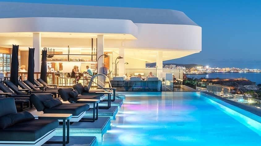 Teneriffalla sijaitseva hotelli valittiin arkkitehtonisesti parhaaksi