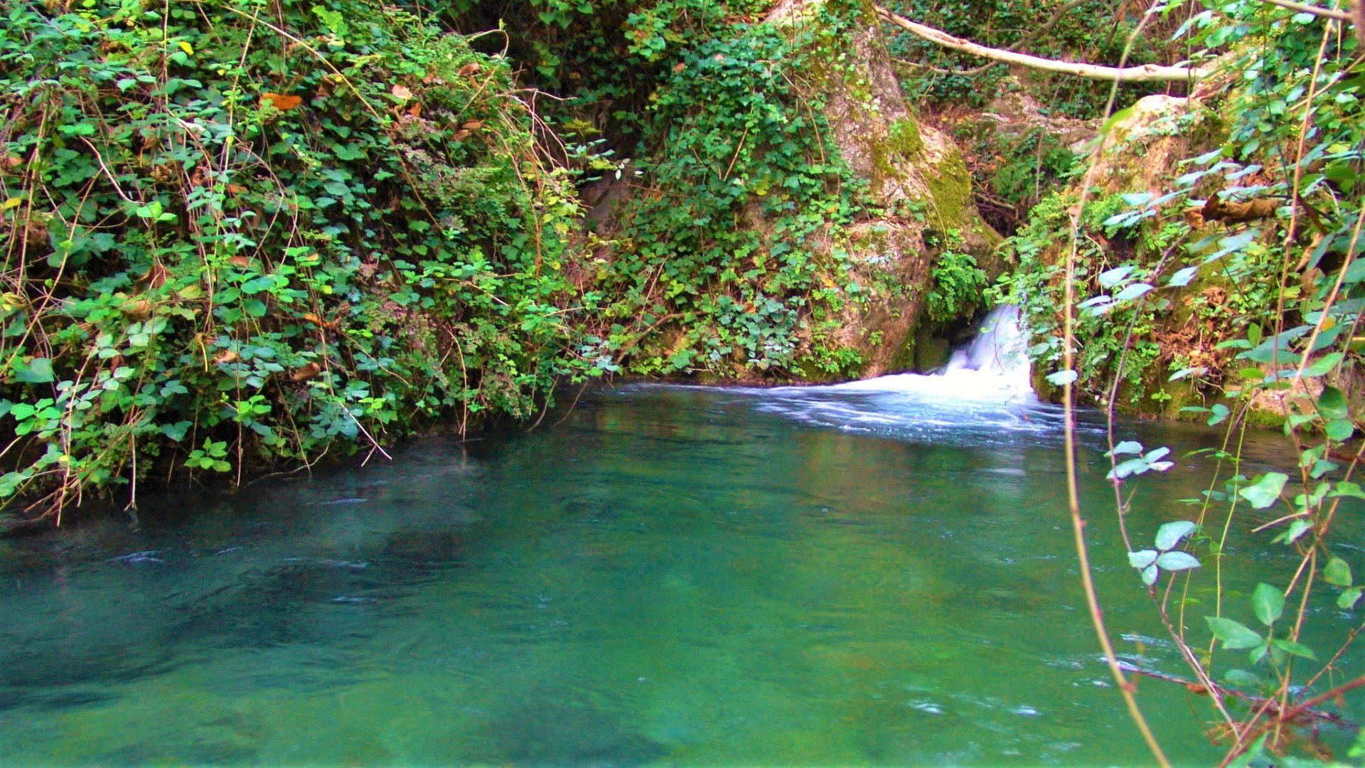 Terveydelle hyödylliset luonnolliset altaat Espanjassa