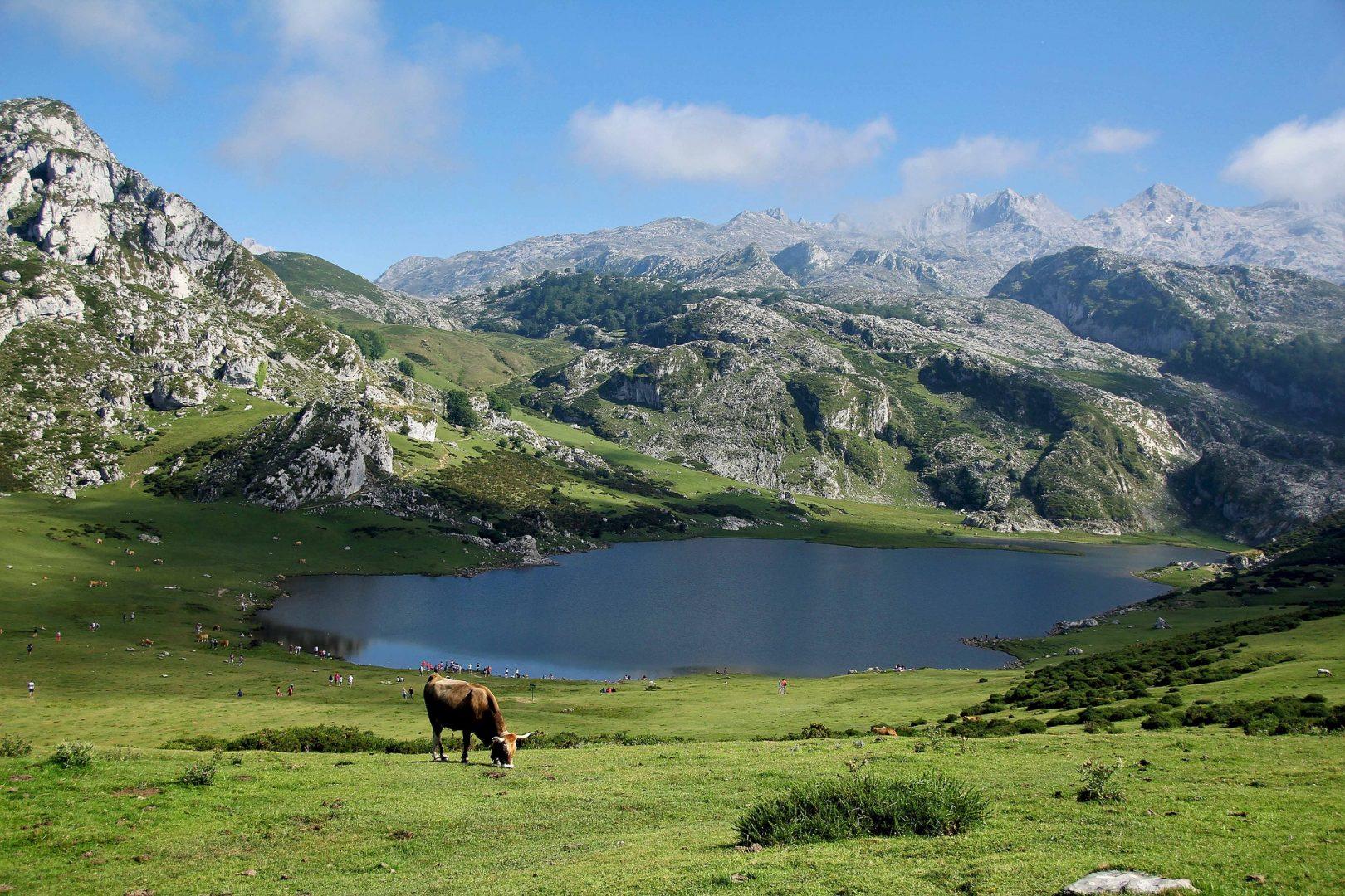 Viilentymään kesähelteillä – Espanjan kauneimmat järvet ja laguunit